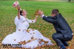 Svatba svatební padající listí Hranice na Moravě park
