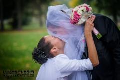 Svatební polibek fotograf v Hranicích na Moravě Teplice nad Bečvou okolí svatba