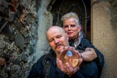 Gotická-svatba-a-fotograf-netradičních-svateb-Přerov
