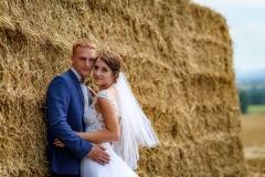 svatba balíky slámy