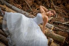svatba v lese, krásná nevěsta
