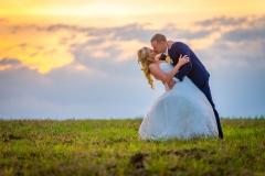 svatební foto při západu slunce