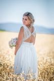 krásná-nevěsta-svatební-fotograf-Soběchleby
