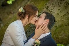 svatební-polibek